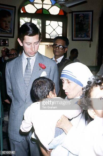 Prince Charles Official Visit To India Visiting Mother Teresa At Her Mission In Calcutta.