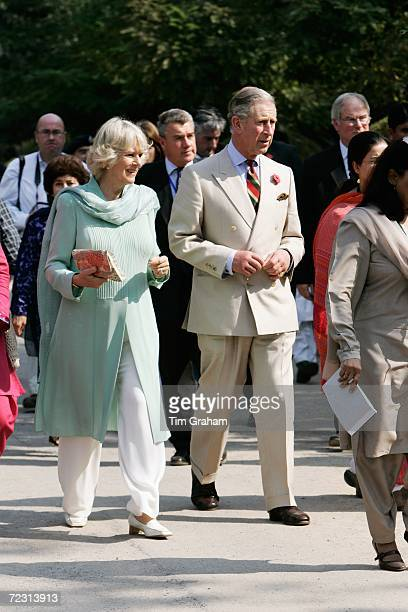 Prince Charles Prince of Wales and Camilla Duchess of Cornwall wearing a traditional shalwar kameez visit the all female Fatima Jinnah University on...