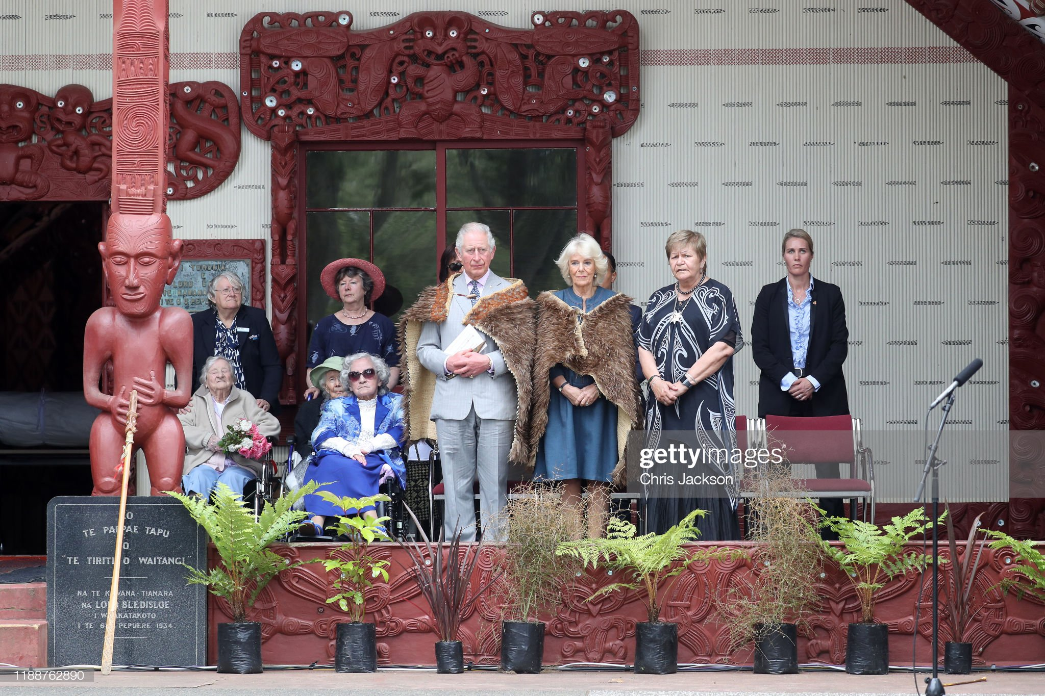 CASA REAL BRITÁNICA - Página 75 Prince-charles-prince-of-wales-and-camilla-duchess-of-cornwall-attend-picture-id1188762890?s=2048x2048
