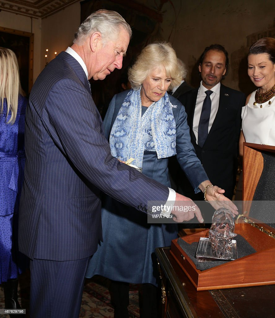 The Prince Of Wales And Duchess Of Cornwall Launch 'Travels To My Elephant' Rickshaw Race : Nyhetsfoto