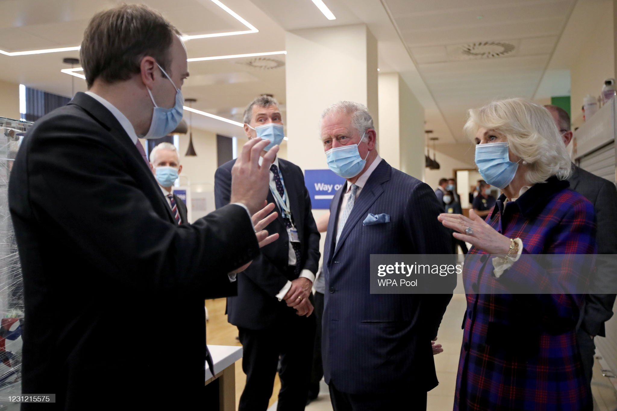 prince-charles-prince-of-wales-and-camilla-duchess-of-cornwall-talk-picture-id1231215575