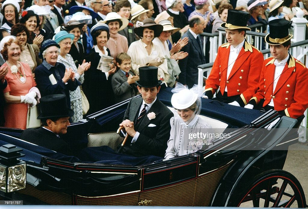 Prince Charles, Prince of Wales and Lady Diana Spencer arriv : News Photo