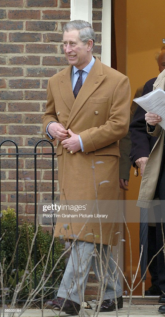 Prince Charles, Prince of Wales visits a new housing estate, a development of the urban extension in Upton on January 6, 2006 in Northampton, England.