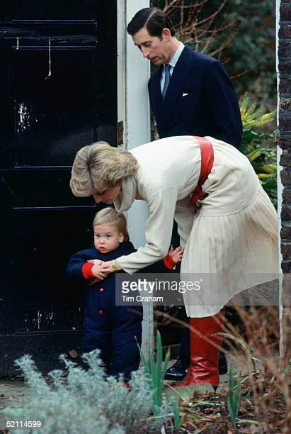 Prince Charles, Princess Diana And Prince William In Their Garden At Kensington Palace For A Photocall.
