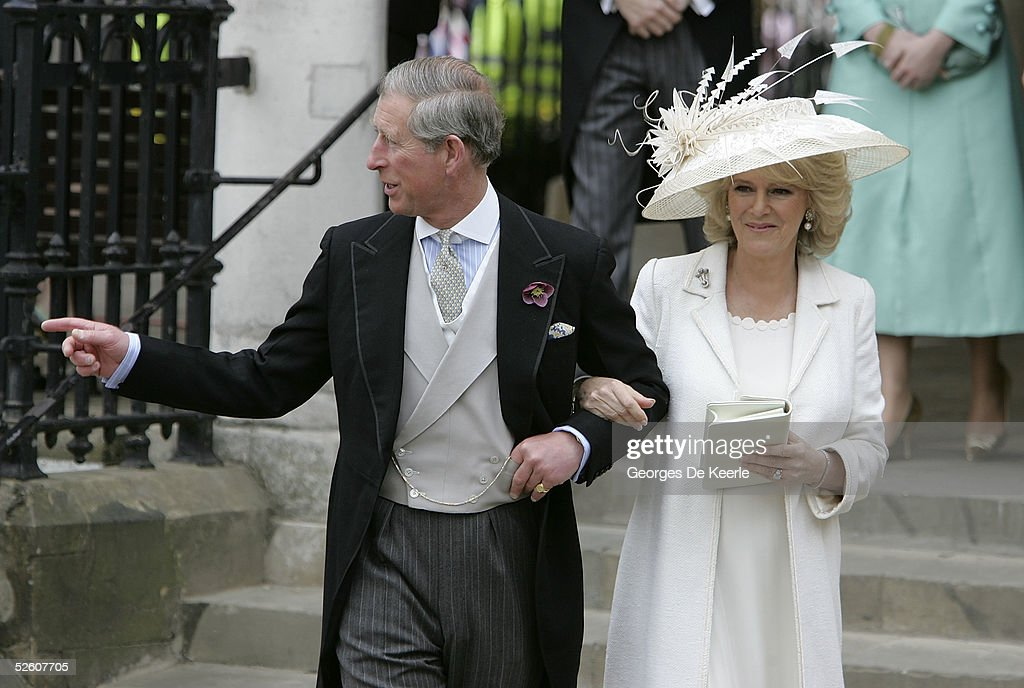 HRH Prince Charles & Mrs Camilla Parker Bowles Marry At Guildhall Civil Cer : Fotografia de notícias