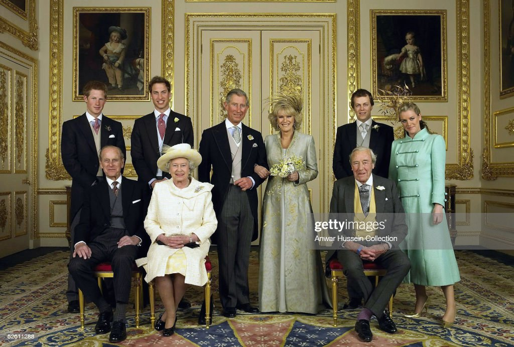 TRH Prince Charles & The Duchess Of Cornwall - Official Wedding Photo : ニュース写真