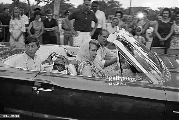 Prince Charles The Prince Philip And Princess Anne Of The United Kingdom On Holiday In Jamaica Jamaïque août 1966 Le Prince CHARLES du Prince PHILIP...
