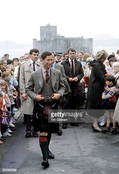 Prince Charles Visiting The Isle Of Barra In The Western Isles Scotland Wearing A Traditional Kilt Accompanied By Diana Princess Of Walesbehind Are...