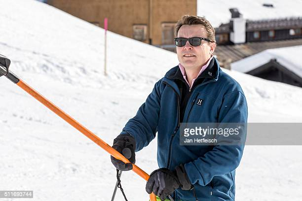 Prince Constantijn of the Netherlands takes the ski lift during the annual photo call on February 22, 2016 in Lech, Austria.