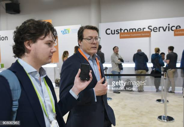 Prince Constantijn of the Netherlands walks through the Sands Convention Hall during CES 2018 in Las Vegas on January 9 2018 / AFP PHOTO / MANDEL NGAN
