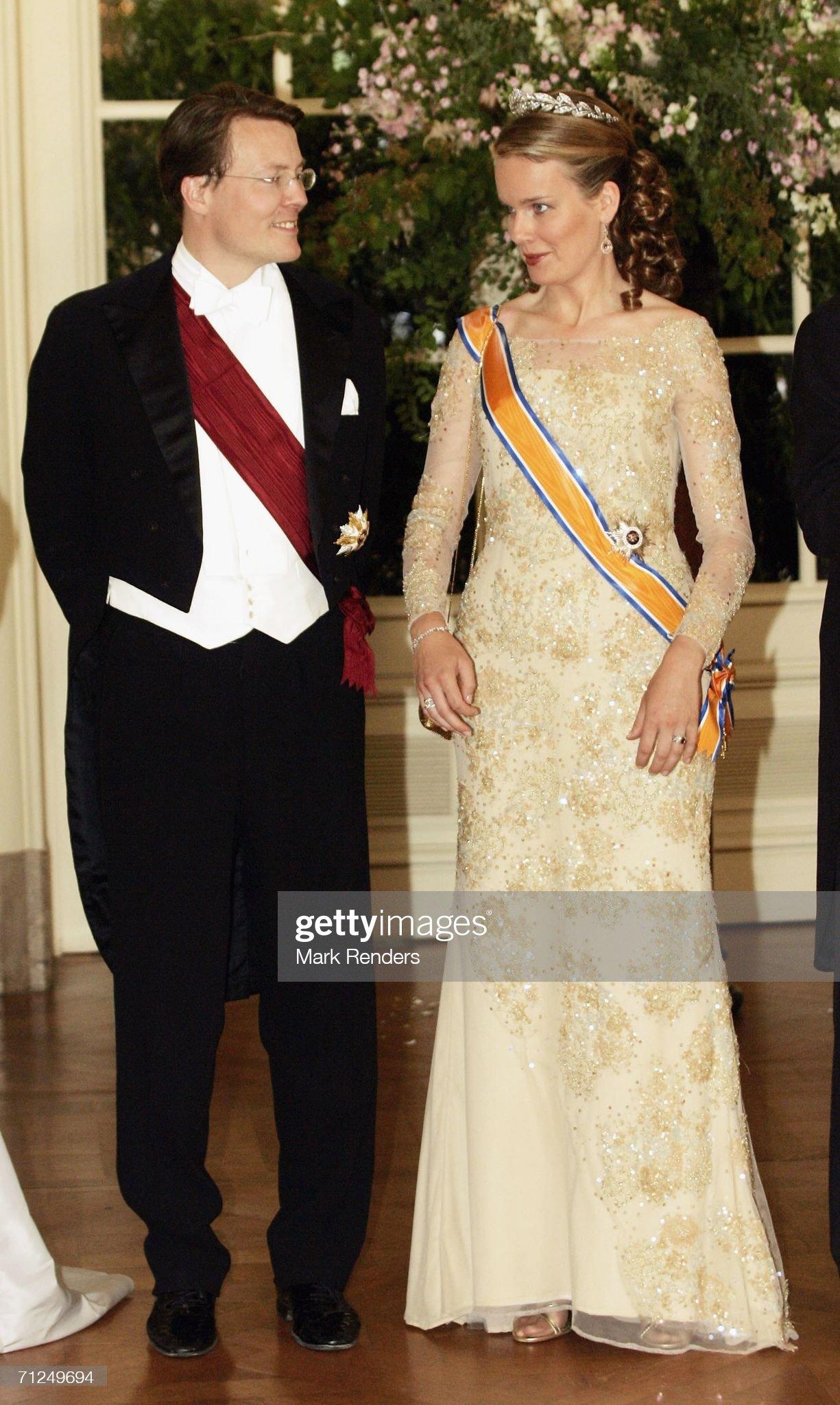 Вечерние наряды Королевы Матильды Dutch State Visit To Belgium : News Photo