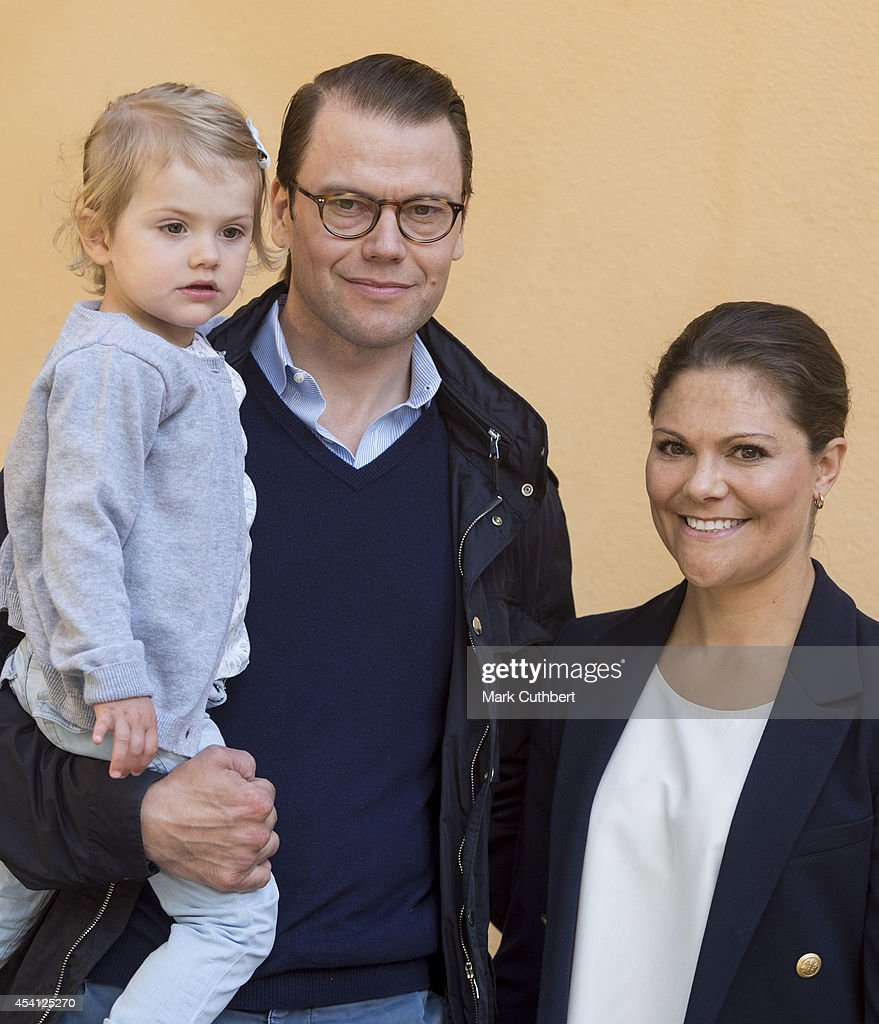 Princess Estelle Of Sweden Begins Pre School - Photocall : News Photo