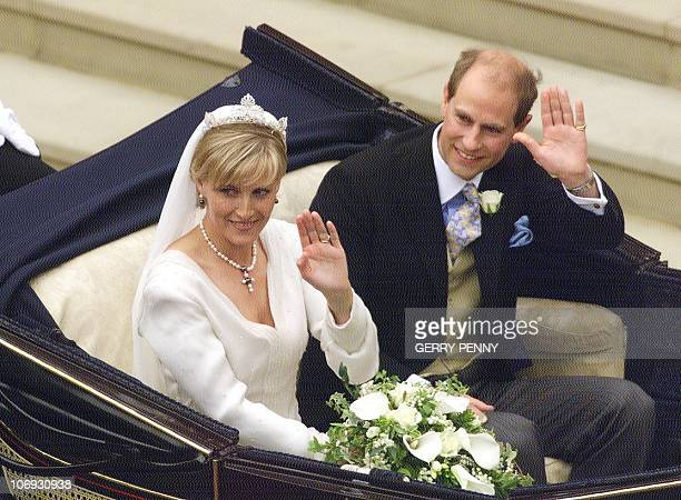Prince Edward and Sophie RhysJones wave to wellwishers 19 June 1999 as they leave St George's Chapel after their marriage at Windsor Castle