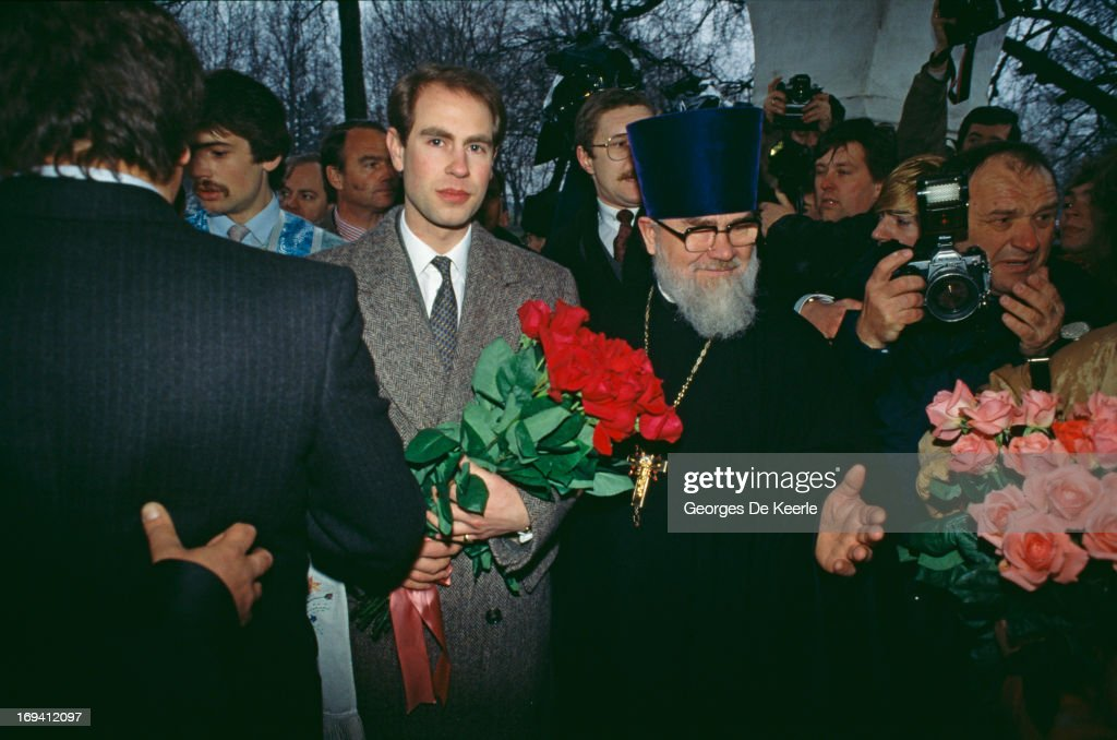 Prince Edward, Earl of Wessex is ushered through the crowds during a visit to Moscow, 19th April 1989.