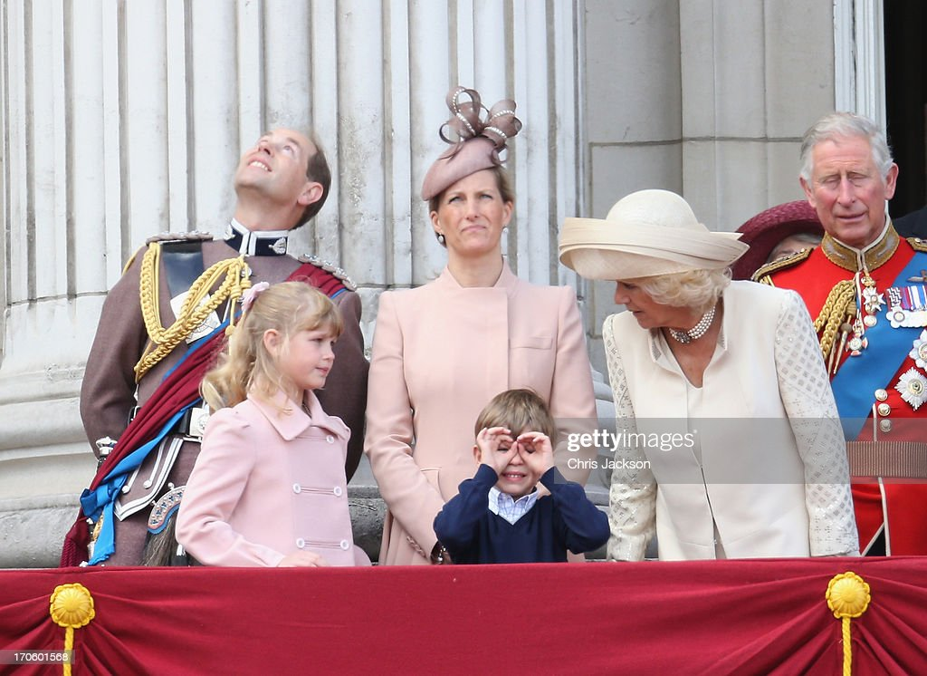 The Queen's Birthday Parade: Trooping the Colour : News Photo