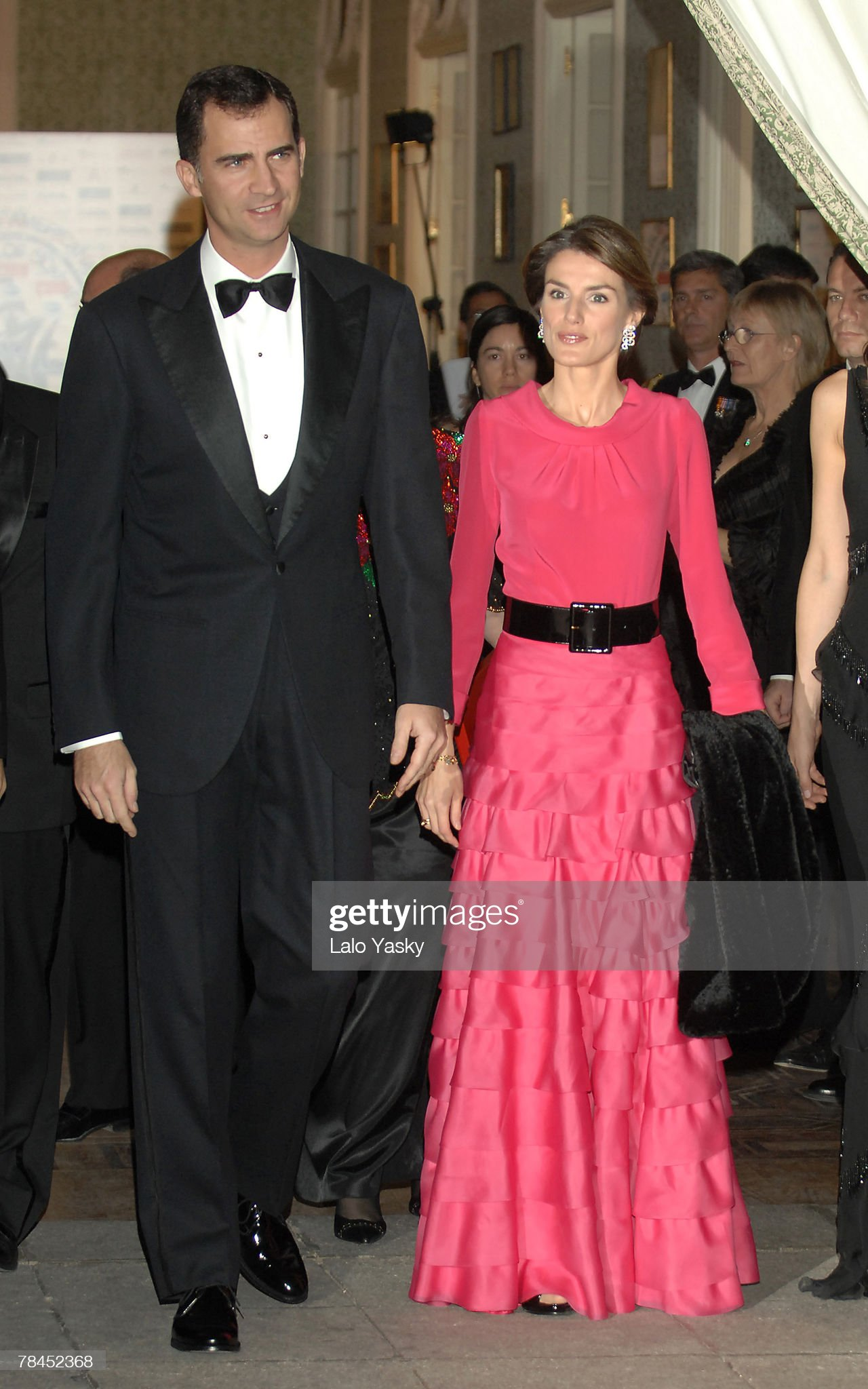 Вечерние наряды Королевы Летиции Royals attend the Gala Dinner for the American Commerce Chamber : News Photo