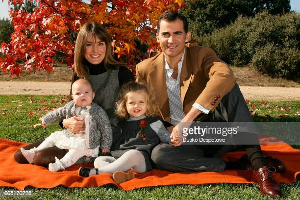 Prince Felipe and Princess Letizia in the gardens of the Zarzuela Palace with their two daughters for this year's family Christmas card   Location...