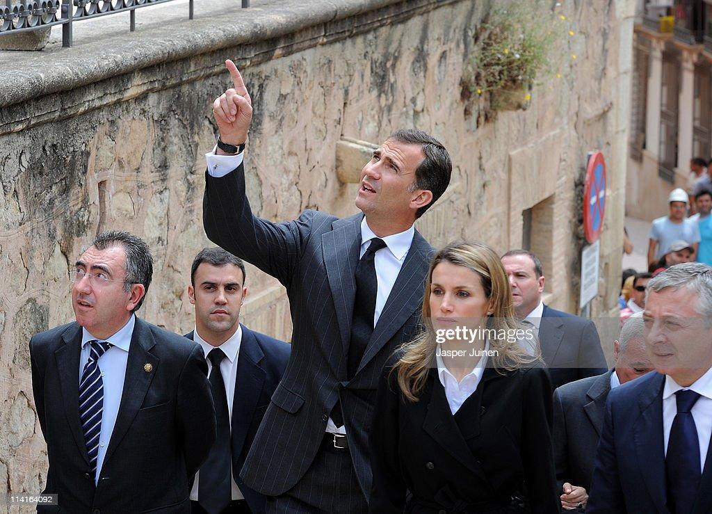 Spanish Prince Felipe and Princess Letizia Visit Quake Aeria in South-eastern Spain : News Photo