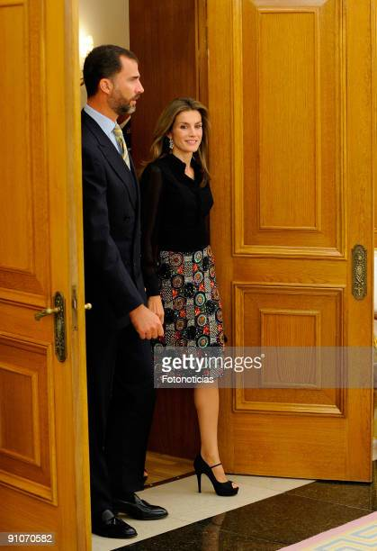 Prince Felipe and Princess Letizia of Spain greet King Carl Gustav of Sweden to the Zarzuela Palace on September 23 2009 in Madrid Spain