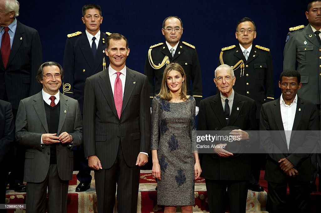 Prince Felipe of Spain (2L) and Princess Letizia of Spain (3R) and Leonard Cohen (2nd R) pose for a picture with the 2011 Prince of Asturias Award laureates at the Reconquista Hotelon October 21, 2011 in Oviedo, Spain.
