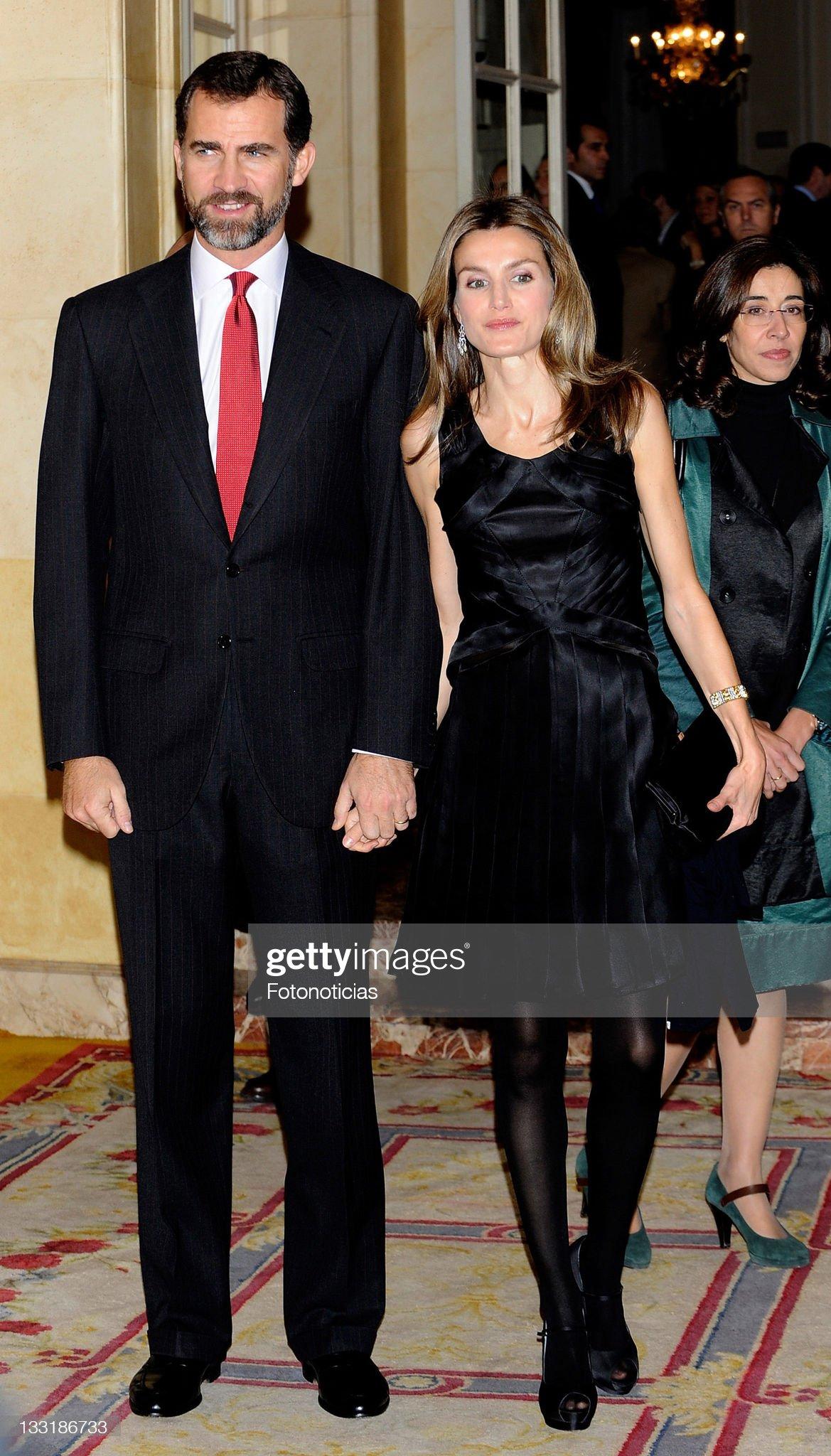 Spain's Price Felipe and Princess Letizia attend Francisco Cerecedo Awards : News Photo