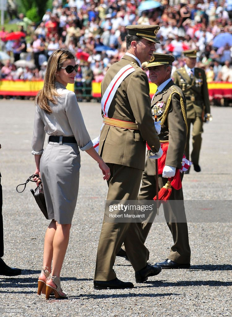 Spanish Royals Attend Graduation of Military Officer School in Talarn : News Photo
