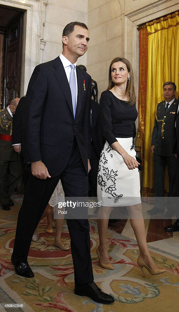 Prince Felipe of Spain and Princess Letizia of Spain attend the official abdication ceremony at the Royal Palace on June 18, 2014 in Madrid, Spain. King Juan Carlos of Spain's abdication takes effect at midnight local time.