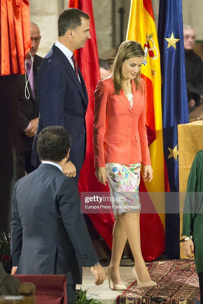 Spanish Royals Attends 'Principe de Viana' 2014 Awards : News Photo