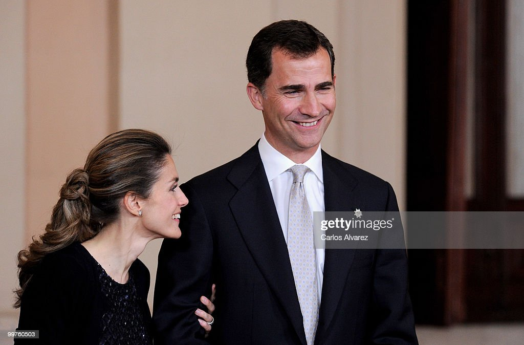 Prince Felipe of Spain (R) and Princess Letizia of Spain attend the 'VI European Union - Latin America and Caribbean Summit' dinner at the Royal Palace on May 17, 2010 in Madrid, Spain.