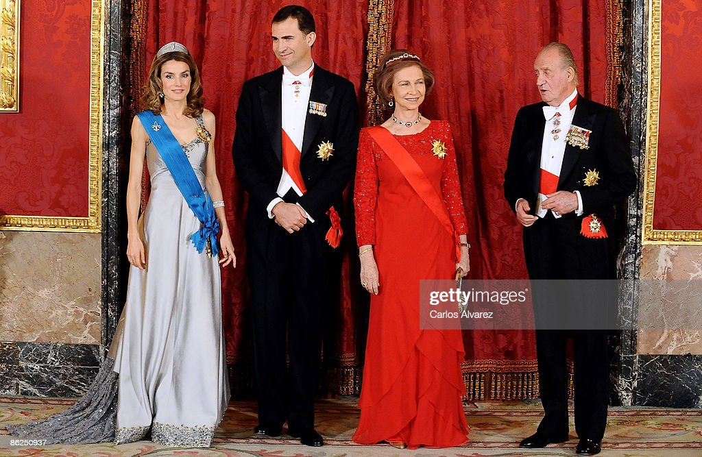 Spanish Royals Host Gala Dinner Honouring Nicolas Sarkozy & Carla Bruni : Nachrichtenfoto