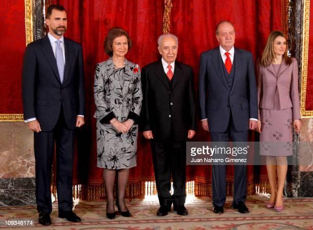 Prince Felipe of Spain Queen Sofia of Spain Israeli President Shimon Peres King Juan Carlos I of Spain and Princess Letizia of Spain pose before an...