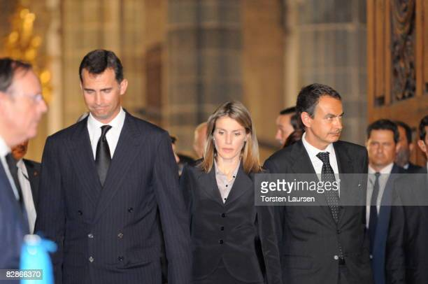 Prince Felipe Princess Letizia and Prime Minister Jose Luis Rodriguez Zapatero attend a memorial service for the victims of the crash of Spanair...