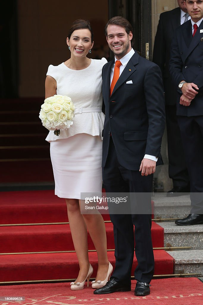 Princess claire of luxembourg photos pictures of princess claire prince felix of luxembourg and princess claire of luxembourg depart the villa after their civil wedding junglespirit Image collections