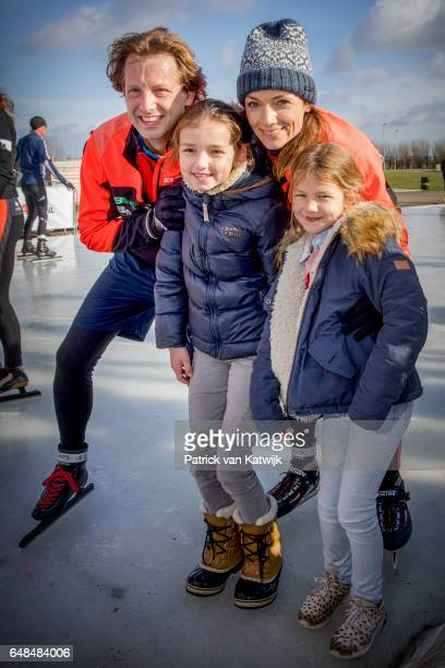 Prince Floris and Princess Aimee with their daughters Magali and Eliane of The Netherlands at the Hollandse 100 fund raise event Organized by Lymph...