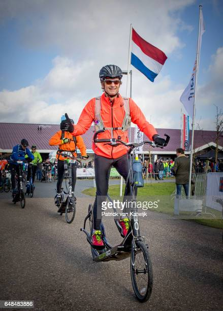 Prince Floris of The Netherlands at the Hollandse 100 ice skating and cycling fund raising event at Flevonice on March 5 2017 in Biddinghuizen...