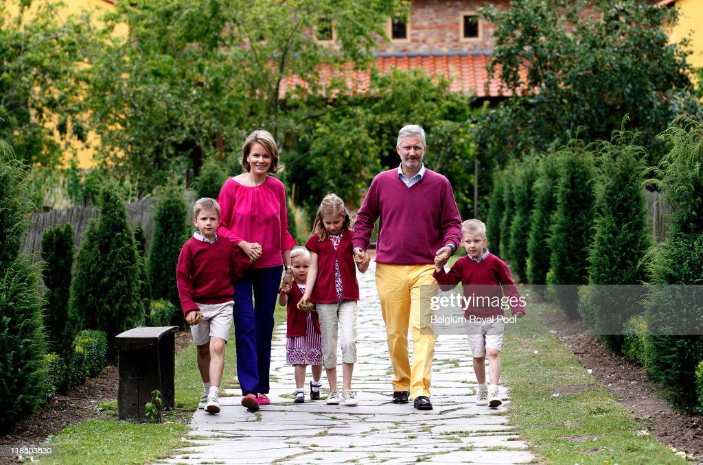 Belgian Royal Family - Holiday Photo Session in Hainaut