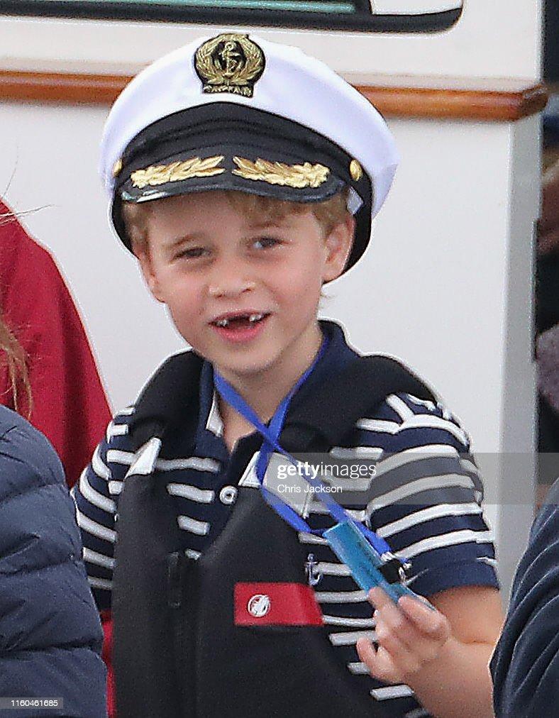 The Duke And Duchess Of Cambridge Take Part In The King's Cup Regatta : Nachrichtenfoto
