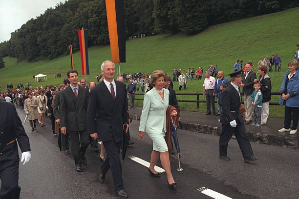prince-hans-adam-of-liechtenstein-and-his-wife-princess-marieaglae-picture-id542258416