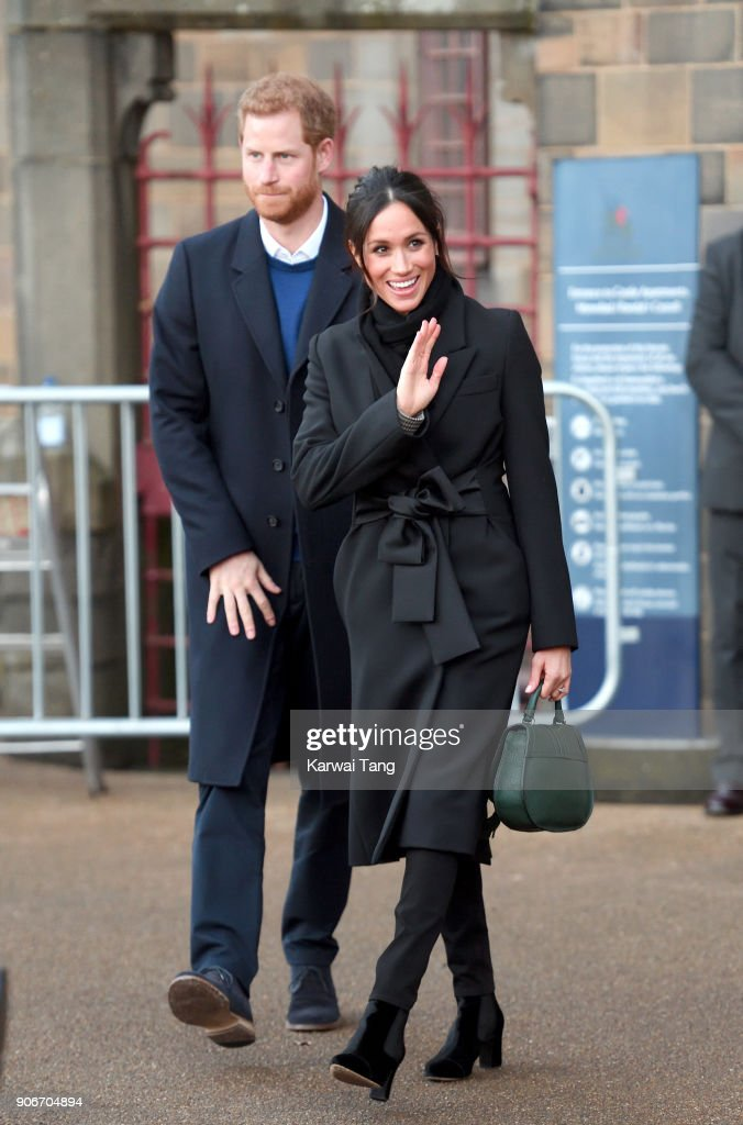 Prince Harry And Meghan Markle Visit Cardiff Castle : ニュース写真
