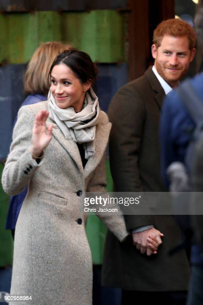 Prince Harry and his fiancee Meghan Markle visit Reprezent 1073FM on January 9 2018 in London England The Reprezent training programme was...