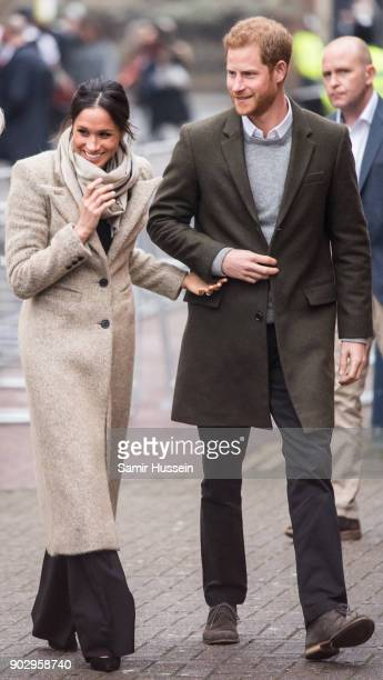 Prince Harry and Meghan Markel visit Reprezent 1073FM on January 9 2018 in London England The Reprezent training programme was established in Peckham...