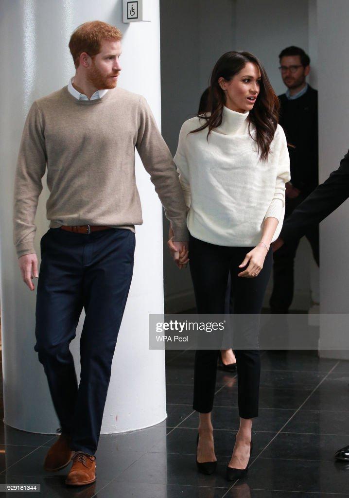 Prince Harry And Meghan Markle Visit Birmingham : ニュース写真