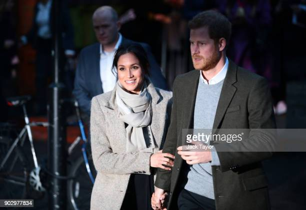 Prince Harry and Meghan Markle visit Reprezent 1073FM in Pop Brixton on January 9 2018 in London England The Reprezent training programme was...