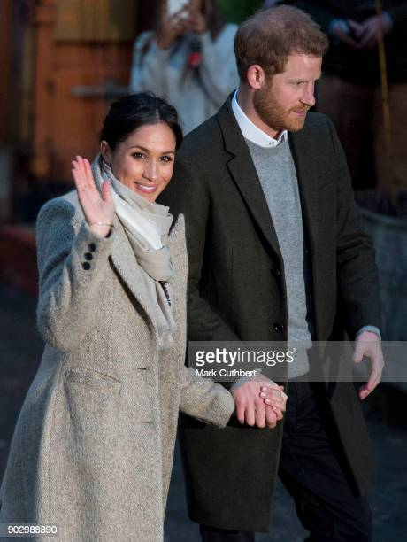 Prince Harry and Meghan Markle visit Reprezent 1073FM on January 9 2018 in London England The Reprezent training programme was established in Peckham...