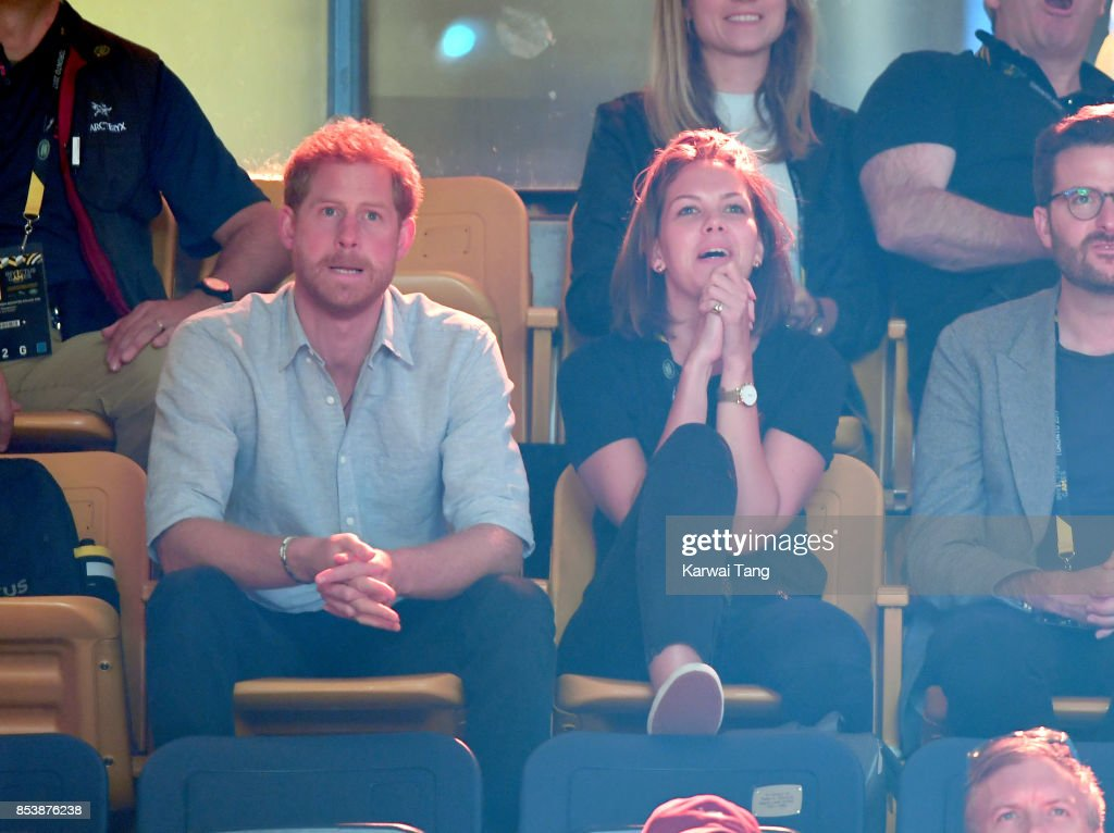 Prince Harry (L) attends the Powerlighting on day 3 of the Invictus Games Toronto 2017 at Mattamy Athletic Centre on September 25, 2017 in Toronto, Canada. The Games use the power of sport to inspire recovery, support rehabilitation and generate a wider understanding and respect for the Armed Forces.