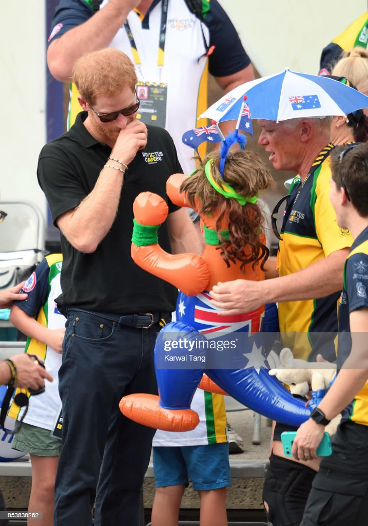 Prince Harry attends the Wheelchair Tennis on day 3 of the Invictus Games Toronto 2017 at Nathan Philips Square on September 25, 2017 in Toronto, Canada. The Games use the power of sport to inspire recovery, support rehabilitation and generate a wider understanding and respect for the Armed Forces.