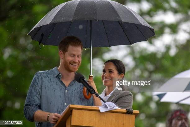Prince Harry Duke of Sussex and Meghan Duchess of Sussex address the public during a Community Event at Victoria Park on October 17 2018 in Dubbo...
