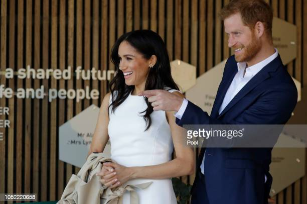 Prince Harry Duke of Sussex and Meghan Duchess of Sussex attend a ceremony at Taronga Zoo on October 16 2018 in Sydney Australia The Duke and Duchess...