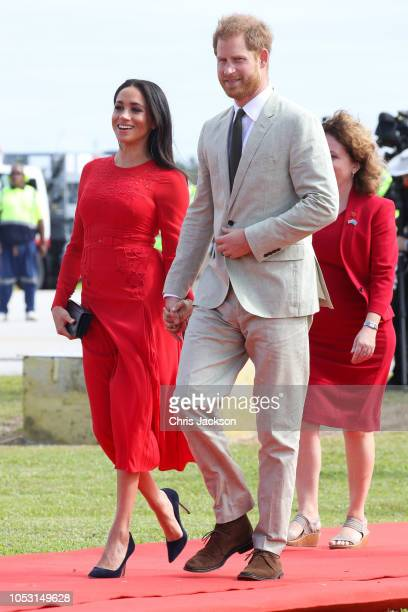 Prince Harry Duke of Sussex and Meghan Duchess of Sussex attend Official Arrival in Tonga on October 25 2018 in Nuku'alofa Tonga The Duke and Duchess...