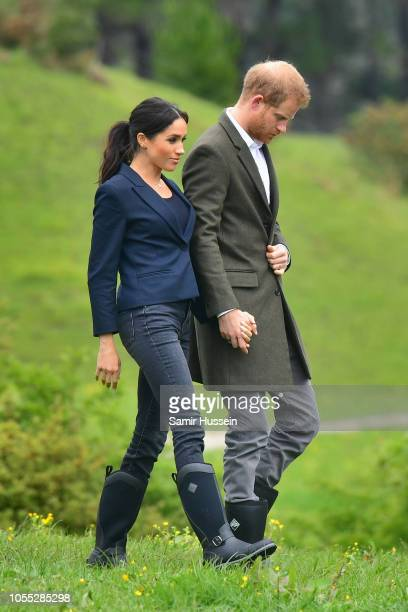 Prince Harry Duke of Sussex and Meghan Duchess of Sussex attend the Unveiling of The Queen's Commonwealth Canopy on October 30 2018 in Redvale New...